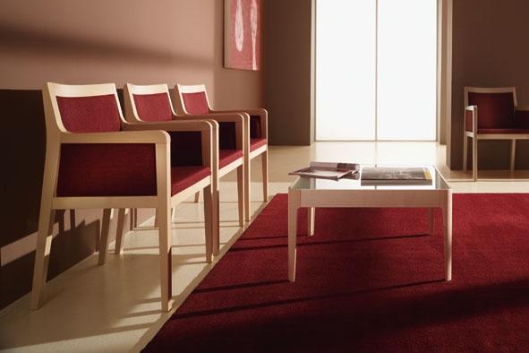 Lounge-Fully Armlehnstuhl Alva Buchenholz.JPG